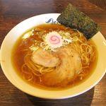 淡成らー麺